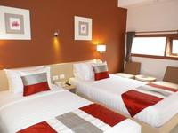 Tibera Hotel Taman Cibeunying Bandung - Deluxe Twin Room Regular Plan