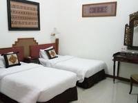 Lombok Ethnic Hotel Bandung Bandung - Deluxe Room With Breakfast Regular Plan