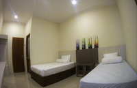 Utama Kost Harian Jember - Deluxe Room Regular Plan