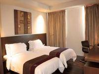 Akmani Hotel Jakarta - Deluxe Twin Room Only Weekend Promo