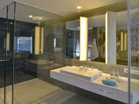 IZE Seminyak Bali - Deluxe Twin Room Breakfast with FREE Daily Mini Bar Hot Deal