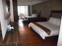 HOM Gowongan Platinum Hotel Yogyakarta - Kamar Family Suite Regular Plan