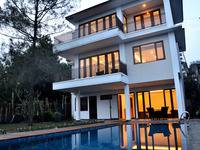 Asri Villa Dago Bandung - 4 Bedrooms Private Pool Villa - Room Only App Promo