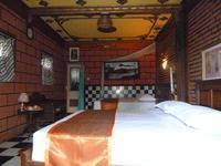 Yoschi's Hotel Probolinggo - Deluxe Room Regular Plan