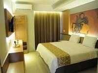 Loji Hotel Solo - Standard Queen Bed Regular Plan