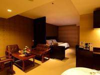 Emilia Hotel by Amazing Palembang - Kamar Suite - Non Smoking Regular Plan