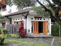 Rumah Asri Bed & Breakfast di Bandung/Pasteur