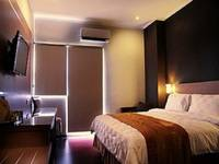 @HOM Premiere Cilacap - Kamar Superior Deal Of The Day 18%