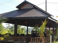 Rumah Kayu Pinggir Kali di Pasuruan/Prigen