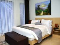 7 BR Pool Villa Dago Hill View Bandung - Deluxe Room With Private Bathroom Regular Plan