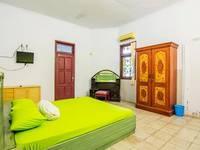 Shintana Homestay Banyuwangi - Superior Room Regular Plan