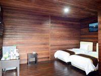 Villa Lemon Bandung - Deluxe Kayu Room (down Stair) Basic deal