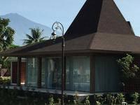 Djoglo Luxury Bungalow Malang - Garden View Regular Plan