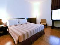 Gumilang Regency Hotel Bandung - Deluxe Queen With Breakfast Save 8%