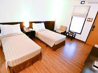 Gumilang Regency Hotel Bandung - Deluxe Twin With Breakfast Special Promo 20 %