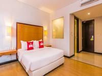 ZenRooms Kuta Beach Poppies Lane - Double Room with Breakfast Special Promo