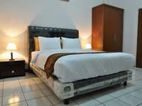 RedDoorz near Riau Street 2 Bandung - Reddoorz Room Special Promo Gajian