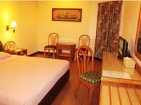Losari Beach Hotel Makassar - Kamar Deluxe Basic Deal 30%